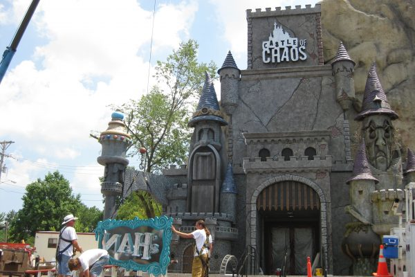 Attractions-Sign-Maker